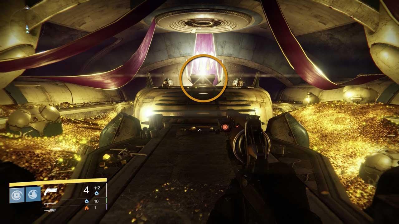 Schatztruhe (Mitte) unter dem Gefängnis der Alten in Destiny, Bild: Screenshot