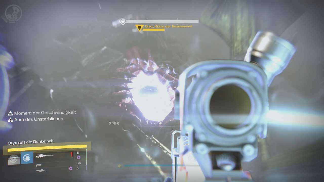 Öffnet Oryx seinen Bauch, muss dort geballte Feuerkraft wirken, um ihn zu betäuben. Bild: Screenshot Destiny