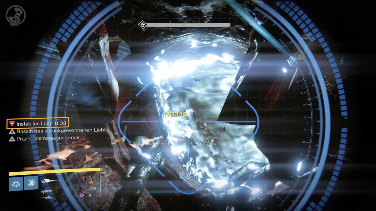 Wer das instabile Licht beim Kampf gegen Golgoroth abbekommt, sollte sich vom Team entfernen, sonst kommt (k)eine Bombenstimmung auf. Bild: Screenshot Destiny