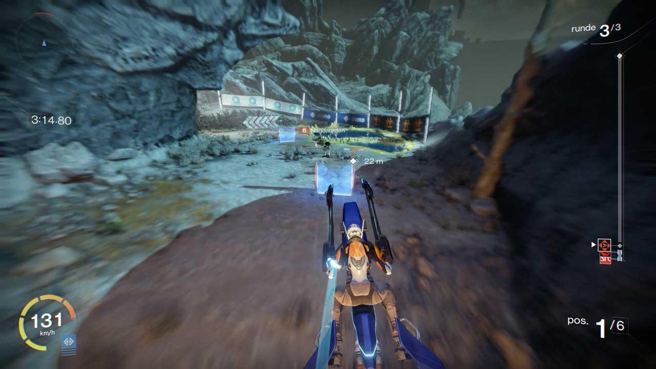 Tore füllen euren Treibstoff auf. Habt beim Durchfahren eines Tors am besten schon das nächste Tor im Blick. Bild: Screenshot Destiny